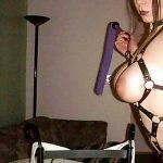 Belle soumise aux gros seins pour maître vicieux