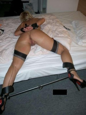 Epouse cocufieuse cherche maître BDSM pour séance devant mon mari