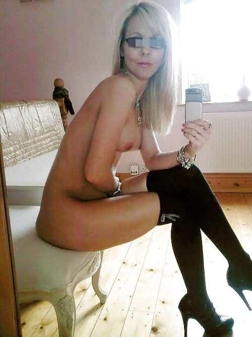 Jolie soumise blonde ch première expérience BDSM avec connaisseur